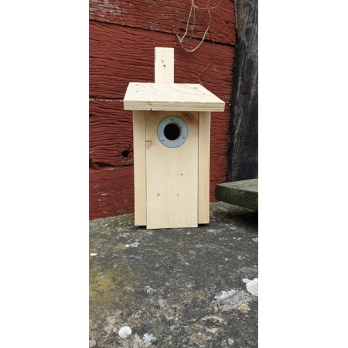 Nestbox for small birds - With a metal plate included